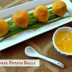 Guyanese Potato Balls - I think potatoes speak a universal language. If a potato dish is around, regardless of the cuisine, you at least know what you& Indian Food Recipes, Vegan Recipes, Cooking Recipes, Ethnic Recipes, Indian Foods, Easy Recipes, Finger Food Appetizers, Appetizer Recipes, Guyana Food