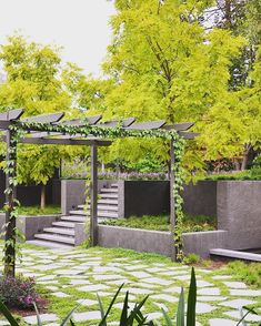 The latest landscaping trend to take over outdoor pavers - Homes, Bathroom, Kitchen & Outdoor Outdoor Pavers, Small Courtyards, Garden Architecture, Landscaping Jobs, Garden Pictures, Terrace Garden, Better Homes And Gardens, Amazing Gardens, Outdoor Gardens