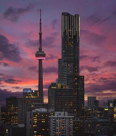 Amazing shot by bora. Little Italy Toronto, Wallpaper Toronto, Torre Cn, Toronto Ontario Canada, Seattle, Downtown Toronto, Toronto Skyline, Toronto Travel, Canada Travel