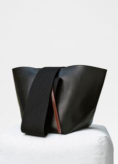 Medium Black Belt bag in natural calfskin - Céline