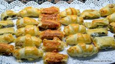 Hojaldres Salados Variados 4 Rellenos y Formas Empanadas, Appetizers For Party, Appetizer Recipes, Mini Foods, International Recipes, Catering, Buffet, Bakery, Food And Drink