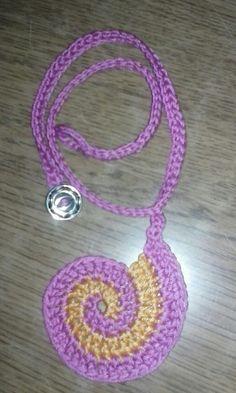 #Crochetnecklace #spiralpendant #crochetjewelry #giftswithlove #handmadegifts #heklanaogrlica #unikatnipokloni #rucnirad