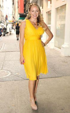 Jewel Kilcher in yellow dress