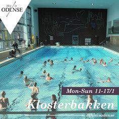 Svøm som en delfin. Det er dejligt at svømme.  Læs anbefalingen på: http://www.thisisodense.dk/da/21596/svoem-som-en-delfin