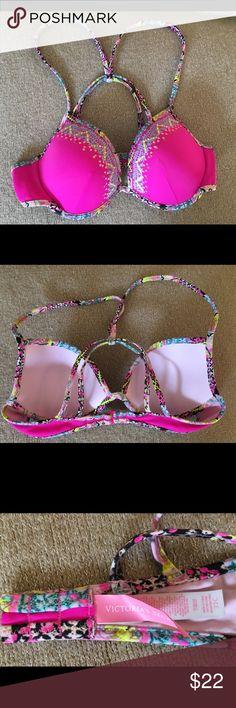 Victoria's Secret 32C bikini top pink swimwear Victoria's Secret 32C bikini top pink designs Very pretty! Victoria's Secret Swim Bikinis