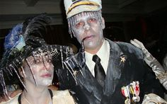 Inspiration, all accessories and a makeup guide to make your Titanic … - Halloween Ideas 2018 What Is Halloween, Holidays Halloween, Halloween Themes, Halloween Party, Halloween Costumes, Halloween Stuff, Halloween 2020, Voodoo Costume, Sea Costume