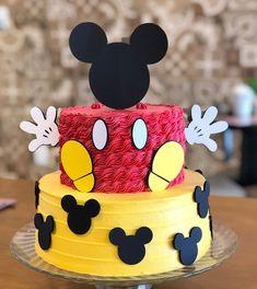 Bolo Mickey Baby, Bolo Do Mickey Mouse, Festa Mickey Baby, Mickey Mouse Theme Party, Mickey Mouse Party Decorations, Fiesta Mickey Mouse, Minnie Mouse Cake, Elmo Party, Sofia Party