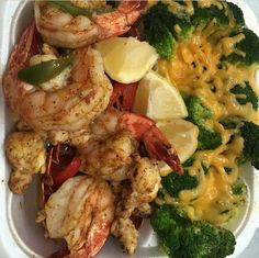 Shrimp and broccoli plate Love Eat, I Love Food, Food Goals, Recipes From Heaven, Soul Food, Family Meals, Food Porn, Food And Drink, Yummy Food