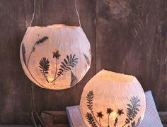 Deze DIY is speciaal voor Sint Maarten, maar eigenlijk staat de lampion met gedroogde bloemen het gehele jaar mooi in het interieur!
