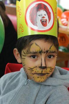 #Kaplanlar ,.. #aslanlar kim ne isterse onu oluyor..#Çocukların #gülümsemesi için #sihirli #fırçalar #dokunduruyoruz..