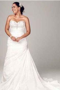 31 Jaw Dropping Plus Size Wedding Dresses