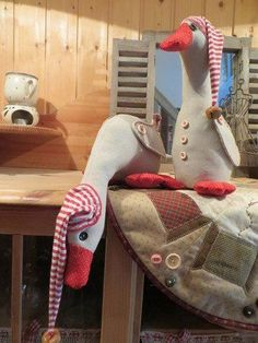 """""""Trudi and Tilda, the Christmas geese"""" approx. 30 cm - EBook / photo tutorial for 2 decorative Christmas geese. Instructions contain numerous photos for e - Diy Sewing Projects, Sewing Crafts, Home Crafts, Diy And Crafts, Burlap Christmas Ornaments, Craft Storage Cabinets, Crochet Chicken, Fleurs Diy, Sewing Room Organization"""