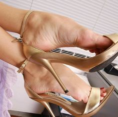high heels – High Heels Daily Heels, stilettos and women's Shoes Stilettos, Stiletto Heels, Open Toe High Heels, Hot High Heels, Feet Soles, Women's Feet, Sexy Sandals, Gorgeous Feet, Sexy Toes