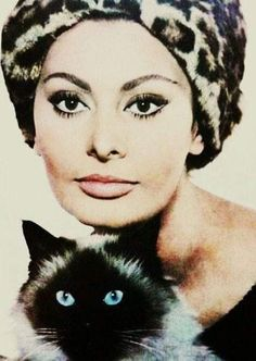 Sophia Loren and her cat...
