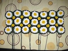 Meladoras Creations  |    Crocheted Daisy Rug – Free Crochet Pattern