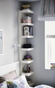 Bedroom Storage Ideas - small bedroom design ideas and home staging tips for small rooms Maximize Small Space, Small Space Solutions, Create Space, Wall Shelf Unit, Ikea Shelving Unit, Shelf Units, Open Shelving, Corner Shelving Unit, Narrow Shelves