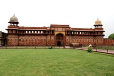 A visit to Agrais incomplete without Agra Fort,another UNESCO World Heritage monument. Situated on the bank of Yamuna river,this forthad confronted many invasions and ruins. Originally, there wa...