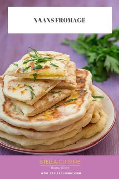 Recette facile de Naans fromage (cheese naan)   Recettes faciles, recette pas cher, recettes rapides par Stella Cuisine Fromage Cheese, Beste Burger, Burger Buns, Eat Smart, Easter Recipes, Fresh Vegetables, Finger Foods, Entrees, Food Porn