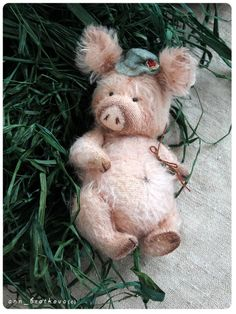 stuffed pig george by anna bratkova Love Sewing, Sewing Kit, Stuffed Animal Patterns, Pattern Drawing, Hobbies And Crafts, Handmade Toys, Sewing Crafts, Fabric Crafts, Art Dolls