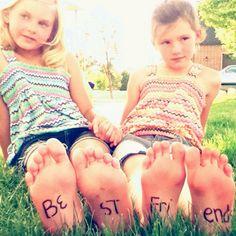Cute idea for best friend photo-shoot