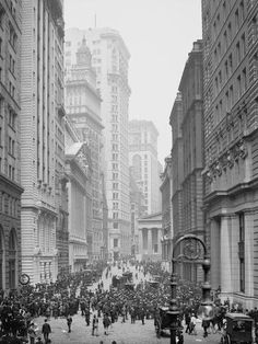 """High Finance: 1905 New York circa """"Broad Street curb brokers and the Stock Exchange. New York City, New York Street, Street Curb, Murals Your Way, Boston Public Library, Nyc, Vintage New York, Lower Manhattan, Vintage Photographs"""