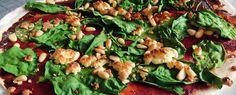 Gewoon wat een studentje 's avonds eet: Lunch: flinterdunne pizza met spinazie, roomkaas e...