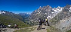 David Ruiz Luna posted a photo:  FELIZ AÑO 2017  El Grand Col Ferret (2537m) frontera entre Italia y Suiza. Tramo del Tour Du Mont-Blanc en el que coinciden el recorrido a pie y el de las BTT o mountain bikes.  No suele haber demasiado conflicto de esta convivencia. No obstante, debes ir con cuidado porque de vez en cuando te puedes llevar un susto al encontrarte de golpe un bicicleta que baja en frente tuyo.  El glaciar que se observa a la derecha es el Glaciar de Triolet coronado por…