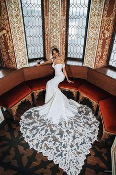 Disney Wedding Dresses, Dream Wedding Dresses, Wedding Gowns, Disney Prinzessin Tiana, Bridal And Formal, Wedding Attire, Pretty Dresses, Bridal Gowns, Marie