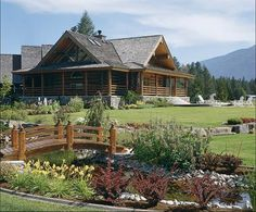 Affordable Luxury for Log Homes Log cabin home Log Cabin Living, Log Cabin Homes, Log Cabins, Montana Homes, Cabin In The Woods, Home Landscaping, Landscaping Software, Landscaping Design, Cabins And Cottages