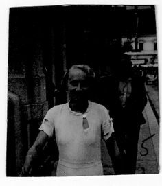 """Justina Shkupi. Albania. Nacida en 1909 en Kosovo. Enfermera destinada en Murcia, Benisa y Mataró. Evaluada como """"Buena en su trabajo, disciplinada, pero no sabemos nada de su vida política"""". Sobrevive a la guerra y se instala en Paris. #Historia #History #SpanishCivilWar #GuerraCivilEspañola #BrigadasInternacionales #InternationalBrigades #España #Spain #GC #WomenInWar #Albania Murcia, Albania, War, Social Stories, Nurses, Faces, Life"""