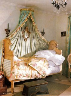 French provincial inspired girls bedroom. The twin bed pushed to the side is a great American take on the alcove beds you'll often find in older European residences.