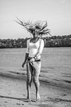blonde girl, beach, dancing, black and white