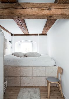 Elevated bed with storage below in an C warehouse home, in Copenhagen. Plywood Storage, Bed Storage, Extra Storage, Storage Drawers, Home Bedroom, Bedroom Decor, Bedroom Ideas, Bedroom Small, Bedroom Loft