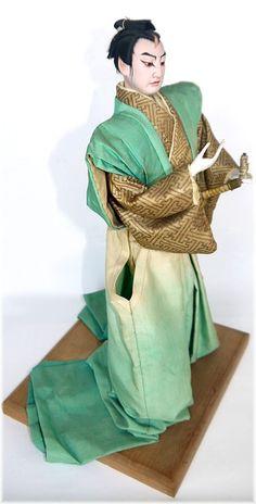 Japanese vintage portrait doll of Kabuki Actor. The Japonic Online Kimono and Japanese Fine Art and Antiques Store Japanese Geisha, Japanese Kimono, Vintage Japanese, Japanese Art, Japanese Doll, Hina Dolls, Art Dolls, Japanese Traditional Dolls, Doll Japan