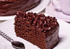 1. Ve vodní lázni rozehřejeme na kousky nakrájenou čokoládu, poté přidáme na kousky pokrájené máslo, které necháme v čokoládě rozpustit, aby vznikla j...
