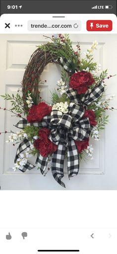 Spring Front Door Wreaths, Christmas Mesh Wreaths, Winter Wreaths, Christmas Flowers, Christmas Bows, Summer Wreath, Door Crafts, Wreath Crafts, Diy Wreath