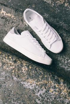 white trainers shoes sneakers men  ⋆ Men's Fashion Blog - TheUnstitchd.com