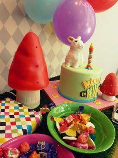 Même Pas en Rêve, est un concept store pour enfants, Lyon, France. A little Heico toadstool lamp cake!