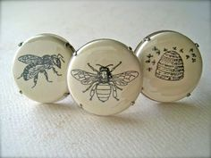 ≗ The Bee's Reverie ≗ Bee buttons