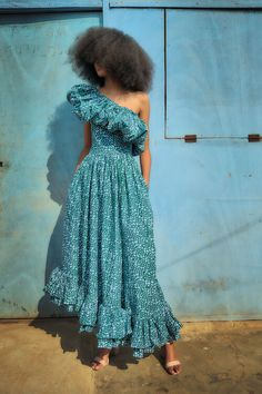 African Wear, African Attire, African Dress, African Girl, African Clothes, Simple Dresses, Pretty Dresses, Beautiful Dresses, Summer Dresses