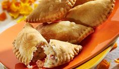Gujiya is one of the most delicious and a must have out of all the dishes served on holi. Here is Mawa gujiya recipe. Special Recipes, Unique Recipes, Sweet Recipes, Ethnic Recipes, Milk Recipes, Cooking Recipes, Holi Special, Diwali Food, Indian Sweets