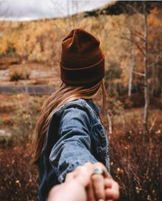 on Photo by iankellems Ugh this is goals af. I took some fall couple pictures today and Im so excited to edit them. Tag your pictures to Cute Fall Pictures, Fall Couple Pictures, Couple Picture Poses, Photo Couple, Fall Photos, Couple Shoot, Fall Pics, Art Pictures, Couple Photography Poses