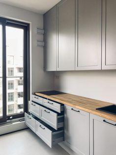 Ikea Kitchen, Kitchen Furniture, Furniture Design, Kitchen Cabinets, Modern Kitchen Design, Interior Design Kitchen, Small Appartment, Kitchen Layout, Cool Kitchens
