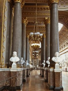 Visit Versailles, Palace Of Versailles, French Interior, French Decor, Beautiful Architecture, Art And Architecture, French History, Paris Chic, Marie Antoinette