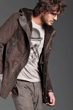 Marlon Teixeira for Gaudi Fall Winter Casual Wear For Men, Sport Casual, Marlon Texeira, Urban Fashion, Mens Fashion, Sharp Dressed Man, My Guy, Male Beauty, Fashion Photo