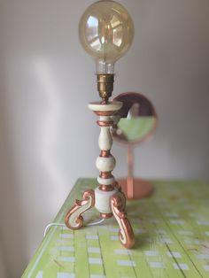 """Lampe im Stile """"Barock"""", Vollholz und überarbeitet mit Kippschalter  LxB: 20x20 cm Standfläche H: 41 cm ohne Leuchtmittel bis Ende Fassung 55 cm mit Leuchtmittel"""