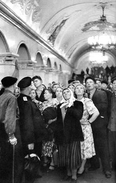 Subway, Moscow, USSR, 1954, by Henri Cartier-Bresson.