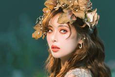 Hyuna 'Flower Shower' behind the scenes Triple H, Kpop Girl Groups, Kpop Girls, Hyuna Photoshoot, Uee After School, Seungyeon Kara, Hyuna Kim, Flower Shower, E Dawn