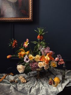 DUTCH MASTERS TUTORIAL (Video only) — FLOWERING WITH NICOLETTE Beautiful Flower Arrangements, Pretty Flowers, Floral Arrangements, Art Flowers, Dutch Still Life, Spring Design, Types Of Flowers, Flower Delivery, Floral Design