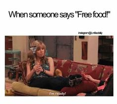 Icarly, Sam is always hungry. Really Funny Memes, Funny Relatable Memes, Funny Jokes, Funny Stuff, Funny Things, Relatable Posts, Funny Moments, Random Stuff, Movies